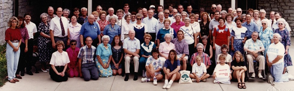 1994 Reunion Photo on Earlham College campus